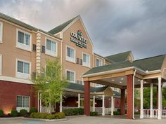 Goodlettsville (TN) Country Inn and Suites By Carlson United States, North America Country Inn and Suites By Carlson is conveniently located in the popular Goodlettsville area. Both business travelers and tourists can enjoy the hotel's facilities and services. Take advantage of the hotel's express check-in/check-out, Wi-Fi in public areas, car park, newspapers, laundry service. All rooms are designed and decorated to make guests feel right at home, and some rooms come with tel...