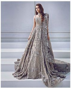 Here we present beautiful and ever best Pakistani bridal engagement dresses for Find Maxis, Lehenga, Gharara, long/short frock or any other dress design on your engagement. Asian Bridal Wear, Asian Wedding Dress, Pakistani Wedding Dresses, Pakistani Outfits, Indian Bridal, Indian Dresses, Pakistani Bridal Couture, Bridal Anarkali Suits, Glam Look