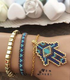 Happy Weekends – New combination – Gold & Blue harmony💙 Seed Bead Jewelry, Bead Jewellery, Beaded Jewelry, Handmade Jewelry, Unique Jewelry, Loom Bracelet Patterns, Bead Loom Bracelets, Bead Loom Patterns, Jewelry Bracelets