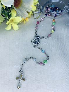 Rosario de la Virgen del Rocío. Materiales: acero. 3,99€ #virgendelrocio #souvenirs #rosario #rosarios Bracelets, Jewelry, Hand Fans, Rosaries, Steel, Souvenirs, Jewlery, Jewerly, Schmuck