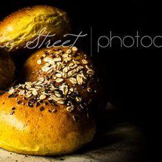 Pan de hamburguesa con cúrcuma y leche de coco