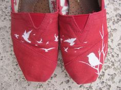 painted toms | Handpainted Flying Birds TOMS by reneezhan on Etsy