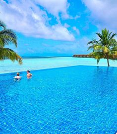 for a feature 💖 Dream Vacations, Vacation Spots, Visit Maldives, Holidays Around The World, Paradise On Earth, Island Resort, Island Life, Great View, Beach Resorts