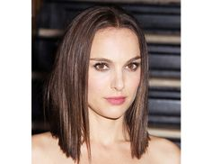 @Byrdie Beauty - In just two days Natalie Portman went from this dramatic, straight bob, at a New York screening of Thor: The Dark World, to a sweet, curly version for Late Night With Jimmy Fallon.