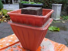 pots of cement, concrete or concrete Cement Flower Pots, Concrete Cement, Concrete Crafts, Concrete Garden, Concrete Projects, Concrete Planters, Diy Planters, Flower Planters, Planter Box Plans