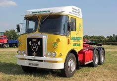Atkinson Vintage Trucks, Old Trucks, Silver Knight, Old Lorries, Old Wagons, Commercial Vehicle, Classic Trucks, Fiat, Cars And Motorcycles