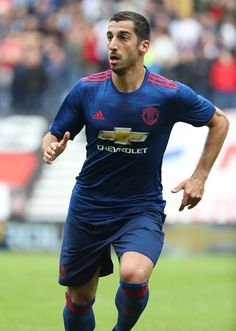 Manchester United 16/17 away soccer jersey. Pogba ibrahimovic Rooney Mkhitaryan