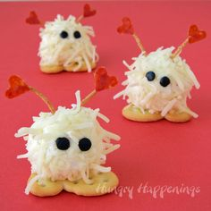 Hungry Happenings: Mini Cheese Ball Warm Fuzzies - A cute Valentine's Day Snack
