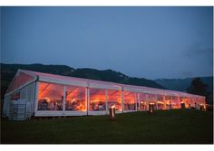 Stampfer Zelt mit Polyglaswände bei Nacht