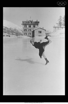 View striking Olympic Photos of Figure skating/St. Moritz 1928 - see the best athletes, medal-winning performances and top Olympic Games moments. Winter Olympic Games, Winter Olympics, Women Figure, Nagano, Turin, Salt Lake City, Terms Of Service, Figure Skating, Athletes