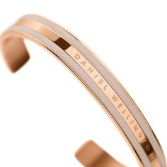 Classic Bracelet Rose Gold Desert Sand Small The New Classic, Bangles, Bracelets, Cartier Love Bracelet, Classic Beauty, Daniel Wellington, Deserts, Rose Gold, Stainless Steel