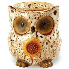 Having a wax tart burner in your home makes it easy to use up all the left over wax from your other scented candles. Electric Tart Warmer, Polymer Clay Owl, Ceramic Oil Burner, Spotted Owl, Diy Wax, Candle Warmer, Wax Warmers, Ceramic Owl, Scented Wax Melts