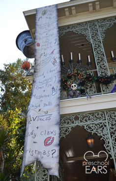 Diy haunted mansion holiday wreath prop diy nightmare before the nightmare before christmas party decorations google search solutioingenieria Gallery