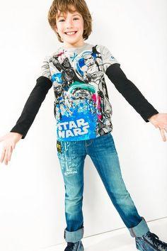 Camiseta de Star Wars gris Desigual. ¡Descubre la línea de camisetas de Star Wars para niños!