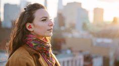 Fone de ouvido sem fio supera a barreira linguística e traduz conversas ao vivo