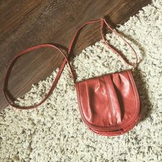H&M purse Snaps in the front. Pockets inside with zipper. Clay red color. Perfect for every occasion H&M Bags