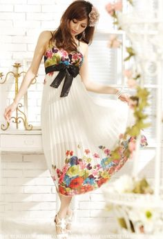 V-neck Backless Cami Floral Pleated Chiffon Maxi on BuyTrends.com, only price $10.63