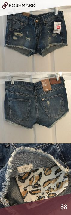 Short shorts from H&M Distressed with sparkly cheetah print pockets H&M Shorts Jean Shorts