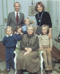 gustaf vi Adolf of Sweden with Brigitta and her family ...