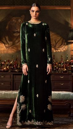 Pakistani Outfits, Indian Outfits, Velvet Dress Designs, Dress Outfits, Fashion Dresses, Hippy Chic, Velvet Fashion, Indian Designer Wear, Stylish Dresses