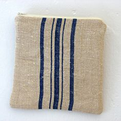 Linen grainsack bag.  Repinned by www.mygrowingtraditions.com Vintage Linen, French Vintage, Grainsack, Packing Jewelry, Sack Bag, Big Bags, Sacks, Mild Soap, Linen Bedding