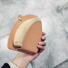 MADE BY PENNY Leather Accessories, Leather Jewelry, Leather Purses, Leather Wallet, Leather Weaving, Leather Tooling, Leather Gifts, Leather Craft, Leather Business Card Holder