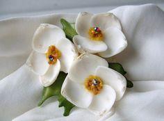 Vintage 60s Handmade Sea Shell Flower Brooch