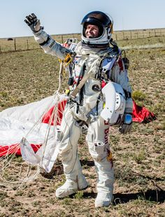 Felix Baumgartner completes his mission of jumping from space capsule
