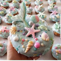 Custom decorated donuts including the famous unicorn and mermaid donuts. Donuts are made with Spudnuts potato flour. Paletas Chocolate, Chocolate Donuts, Dessert Party, Party Sweets, Quick Easy Desserts, Desserts For A Crowd, Delicious Donuts, Yummy Food, Donuts Simpsons