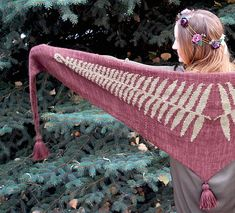 Ravelry: fern shawl pattern by tiny owl knits