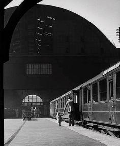 King's Cross Station London 1939 Photo: Wolf Suschitzky