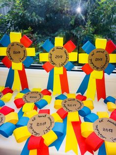 Crafts For Kids, Arts And Crafts, Paper Crafts, Hat Crafts, Class Decoration, Big Day, Board Games, Preschool, Projects To Try