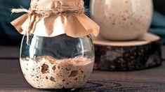 Kvások | Recepty.sk Wine Glass, Food And Drink, Bread, Pizza, Tableware, Recipes, Ukraine, Gardening, Dinnerware