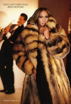 Petition: 100 animals died in pain so Jennifer Lopez could wear their fur!