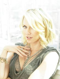 Naomi Watts - More at http://cine-mania.it