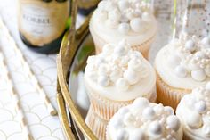 Pass the bubbly! It's time for delicious bubbly champagne cupcakes, the perfect easy New Year's Eve dessert recipe! Champagne cupcakes are a perfect NYE treat!