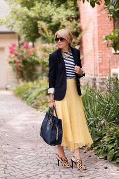 Stripes t-shirt blue blazer yellow piste skirt