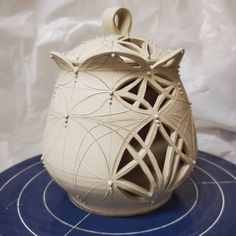 """Erin Carpenter on Instagram: """"A very fancy garlic jar! Just making a small handful of these, we will see how they go over at Plaza in KC."""" Garlic Jar, Ceramics Ideas, Carpenter, Pots, Pottery, Clay, Fancy, China, Inspiration"""