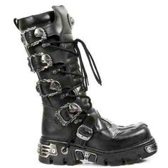 Rock Goth Boot (skulls as buckles, cool) This is definitely what I want in a goth boot. Give it to me!