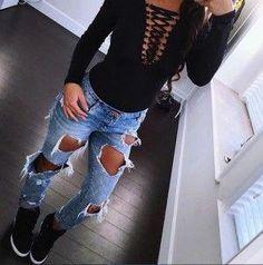 33d760e3b0 Maneras en las que tienes que usar tus jeans en la escuela  pantsJeans Pantalones  Rotos. Pantalones Rotos MujerPantalones ...