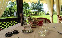 Essen gehen auf der #Insel #Torcello bei #Venedig © Petra Gschwendtner Petra, Bunt, Table Decorations, Home Decor, Holiday Destinations, Venice Italy, Travel Report, Explore, Island