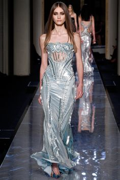 Atelier Versace | Spring/Summer 2014 Couture Collection, Striking Gown | Modeled by Marine Deleeuw | January 19, 2014; Paris