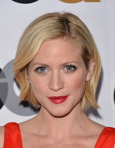 Chic Short Blonde Side Parted Wavy Bob Hairstyle - Brittany Snow Hairstyles