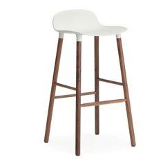 Normann Copenhagen Form barkruk walnoot  SHOP ONLINE: http://www.purelifestyle.be/shop/view/home-living/stoelen-barkrukken/normann-copenhagen-form-barkruk-walnoot