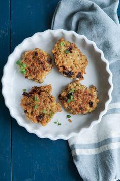Vegetariske risdeller med soltørrede tomater, oregano og timian. Laves af en rest ris, så man undgår madspil. Gluten- og laktosefri.