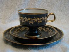 echt-kobalt-fine-china-teacup-2-saucer-set-german-lichte