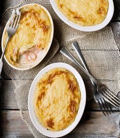 The ultimate fish pies recipe. Michelin-starred chef Marcus Wareing has created a fish pie recipe so wonderful that it's been given the lofty title of 'ultimate'. We'll eat our hats here at delicious. Pie Recipes, Seafood Recipes, Cooking Recipes, Best Fish Pie Recipe, Cheesy Leeks, Good Food, Yummy Food, Tacos, Fish Dishes