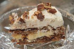 My Little Kitchen: Smashkake Banana Split Dessert, Norwegian Food, Little Kitchen, Sweet Cakes, Let Them Eat Cake, Yummy Cakes, Love Food, Cake Recipes, Food Porn