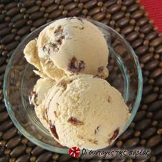 Παγωτό με ρούμι και σταφίδες #sintagespareas #pagotomeroumi #stafides