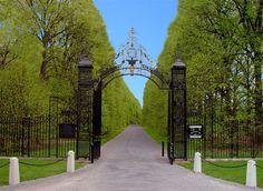 Old Westbury, New York Westbury New York, Old Westbury Gardens, Student Home, Missing Home, Sylvia Day, Long Island Ny, Italian Garden, Garden Pictures, Garden Gates